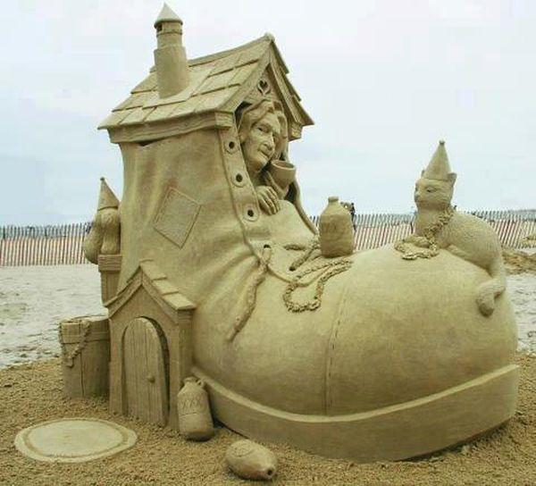 The sand shoe house (2)