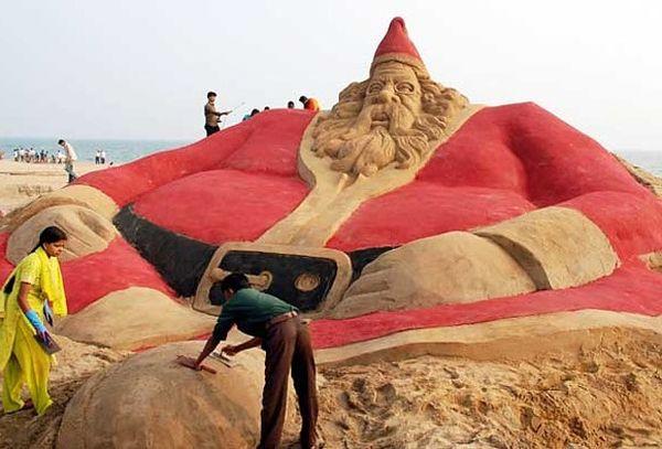 The sandy Santa