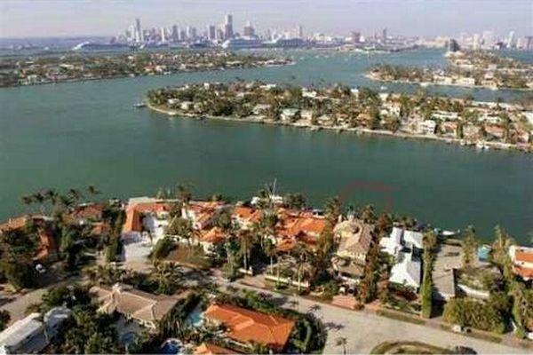 Venetian artificial islands, Florida, USA